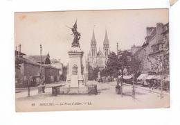 02 MOULINS La Place D' Allier Marche Couvert - Moulins