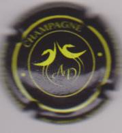 Capsule Champagne DE MILLY Albert ( Nr ; Capsule Noir Et Vert-jaune , 2019 Au Dos ) {S03-19} - Champagne