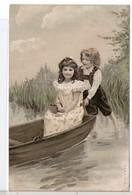 CPA - COUPLE D'ENFANTS EN BARQUE - Illustrateurs & Photographes