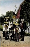 Cp Vierländer Trachten, Gold. Hochzeitspaar Mit Enkelkindern - Trachten