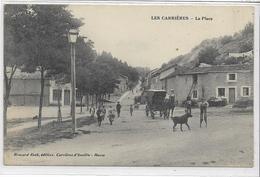 55 EUVILLE . Les Carrières Animée , La Place , Chien , Calèche , édit : Brocard-Roth , Années 10 , état Extra - France