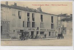 55 VARENNES-EN-ARGONNE . Hôtel Du Grand Monarque Animé , édit : Martin-Colardelle Verdun , Années 10, état Extra - France