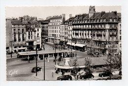 - CPSM NANTES (44) - La Place Du Commerce - Editions GABY N° 28 - - Nantes