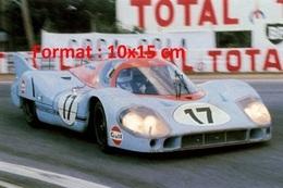 Reproduction D'une Photographie D'une Porsche 917 Aux 24 Heures Du Mans De 1971 - Reproductions