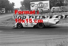 Reproduction D'une Photographie D'une Porsche 917 LH Aux 24 Heures Du Mans En 1969 - Reproductions