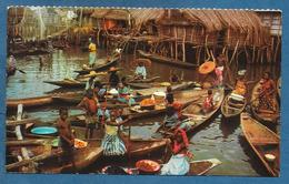 DAHOMEY VILLAGE LACUSTRE DE GANVIE' LIGHT FOLD TO THE CENTER UNUSED - Dahomey