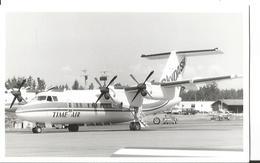 PHOTO AVION DE HAVILLAND Canada DHC-8-102 Dash 8  TIME AIR SKYDASH G-GTAD   13X9CM - 1946-....: Era Moderna