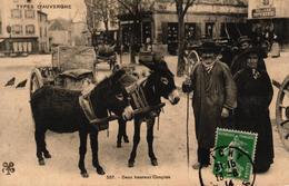 TYPES D'AUVERGNE -DEUX HEUREUX COUPLES - BELLE ANIMATION - ANES - France