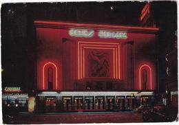 Paris: CITROËN TRACTION AVANT - Les Folies Bergère, 'St. Nicolas Restaurant' - Toerisme