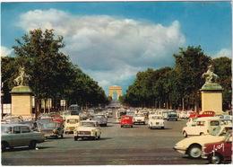 Paris: CITROËN DS, PEUGEOT 404 TAXI, MERCEDES 200, AUSTIN 1100, MINI, RENAULT 4, F4, FIAT 500 - Champs-Elysées - Toerisme