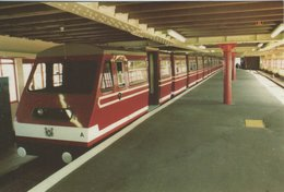 The Southend-on-Sea Pier Train.  The Pier Train In The Station.  B-3485 - Stations With Trains