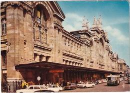 Paris: FORD TAUNUS P7 TURNIER, PEUGEOT 404, SIMCA 1500, SOMUA OP5 AUTOBUS - La Gare Du Nord - Toerisme