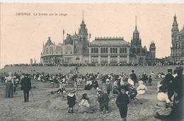 Cpa Belgique Ostende Sieste Sur La Plage - Oostende