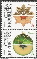 2018 : Paire De Timbres De Noël : Douceurs De Noël Biscuits Et Pommes - Czech Republic