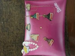 Plaquette De 7 Pin's Barbie - Markennamen