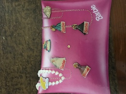 Plaquette De 7 Pin's Barbie - Trademarks