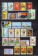 Grenada   1972-74  ,   Y&T  Nº   436/438-445/447-451-467/469-475/477-482/484-492-523/525-531/533-541/543 - Granada (...-1974)