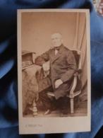 Photo CDV A. Perlat à Poitiers - Second Empire Bourgeoisie, Homme Assis (Etienne Dupond), Circa 1865 L419 - Photos