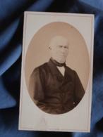 Photo CDV Ch. Neumann à St Jean D'Angély  - Second Empire Portrait Homme Chauve Circa 1865 L419 - Photos