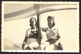 Two Pretty Girls Women Lesbian Ing Gay Old Photo 14x9 Cm #24456 - Personnes Anonymes
