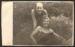 Two Pretty Girls Women Lesbian Ing Gay Old Photo 13x9 Cm #24453 - Personnes Anonymes