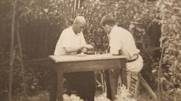 Garçon - Men Playing Chess  - Vintage Photography 1930s  Old USSR Photo - JEU - ECHECS - CHESS - ECHECS - Sport