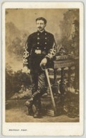 CDV Militaire 1870-80 Provost à Toulouse . Gustave Lassère (Lasserre ?) Pistolet Et 53 Ou 83 Sur Képi . Mobile 1870 ? - Photos