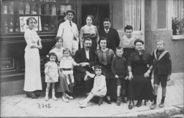 COMMERCE PARISIEN - La Famille Et Le Personnel - Vers 1910 - Carte-photo à Situer Précisément - A Voir ! - Commercio