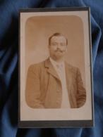 Photo CDV Sans Mention Photographe  Portrait Homme Belle Moustache Et Barbichette CA 1900 - L417 - Photos