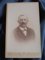 Photo CDV  Bras à Montpellier  Portrait Homme Belle Moustache  CA 1900 - L417 - Photos