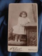 Photo CDV Cairol à Montpellier Jeune Enfant En Robe Debout Sur Une Chaise  CA 1895 - L417 - Photos