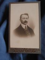 Photo CDV Portrait Souvenir  Homme élégant  Col Dur  CA 1900 - L417 - Photos