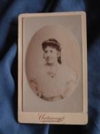 Photo CDV Chateauneuf à Avignon  Portrait Jeune Femme  Belle Robe Avec Dentelle CA 1890 - L417 - Photos