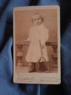 Photo CDV Sollelliand à Montpellier  Jeune Enfant Blond En Robe Avec Une Raquette  CA 1890 - L417 - Photos