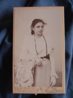 Photo CDV Bras à Montpellier  Fillette Brune  Grain De Beauté Au Dessus De La Lèvre  CA 1895 - L417 - Photos