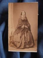 Photo CDV Wolter à Nantes  Belle Femme En Pied  Belle Robe En Soie  Second Empire  CA 1860 - L417 - Photos