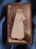Photo CDV Sans Mention Photographe  Communiante  CA 1885 - L417 - Photos