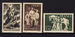 FRANCE 1943 - LOT 3 TP NEUFS**  Y.T. N° 584 / 585 / 586 /8 - Neufs