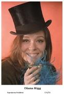 DIANA RIGG - Film Star Pin Up PHOTO POSTCARD - C41-31 Swiftsure Postcard - Artistas