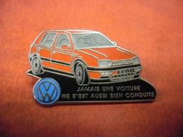GRAND PIN'S AUTOMOBILE VOLKSWAGEN GOLF @ 37 Mm X 21 Mm - DECAT PARIS - Volkswagen
