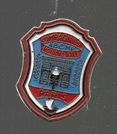 Pin's COMPAGNIES MOTOCYCLISTES PARIS .ABC MP....BT4 - Police