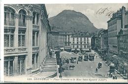 Superbe CPA De  GRENOBLE  ( 38 )   Place Grenette Et Le Mont Saint-Eynard - Grenoble