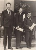 PHOTO ORIGINALE ( 13x18)dirigeants Syndicaux Paysans Reçus Par Le General DE GAULLE En Compagnie De Mr PISANI - Personnes Identifiées