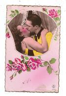 Couple Qui S'embrasse - J.G Paris - Couples