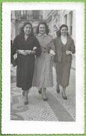 Lisboa - Senhoras Em Passeio - Mulher - Woman - Femme - Portugal (Fotográfico) - Lisboa