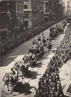 PHOTO ORIGINALE ( 13x18)  LONDRES Celebre Le 25 E Anniversaire  De Ses Souverains - Personnes Identifiées