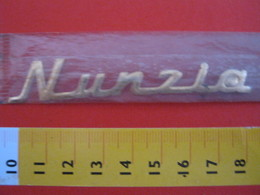 ADESIVO - NUNZIA NUNZIO - NOME NAME METALLIZZATO ORO GOLD RILIEVO VINTAGE 1970 ADHESIVE ETIQUETA ADHESIF - Adesivi