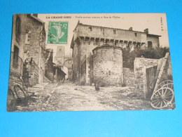 43 ) La Chaise-dieu - Vieille Maison Romane Et Rue De L'eglise - Année 1910 - EDIT : M.M - La Chaise Dieu