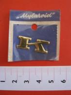 ADESIVO LETTERA IN BLISTER - K - METALLIZZATO ORO GOLD RILIEVO VINTAGE 1970 ADHESIVE ETIQUETA ADHESIF - Adesivi