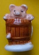 Fève -  Cochon Dans Le Tonneau - Animaux
